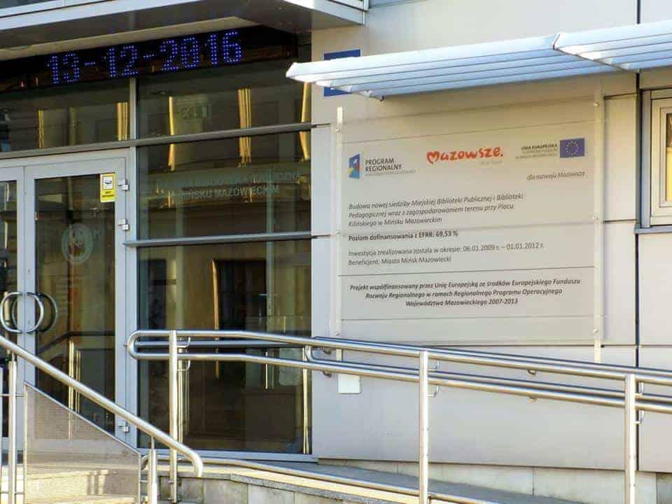 Tablica unijna z plexi szronionej z montażem Mińsk