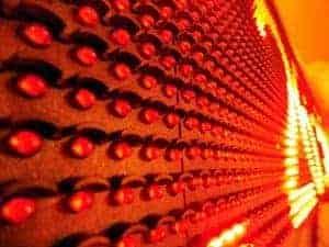 czerwone diody z daszkiem na wyświeetlaczu LED
