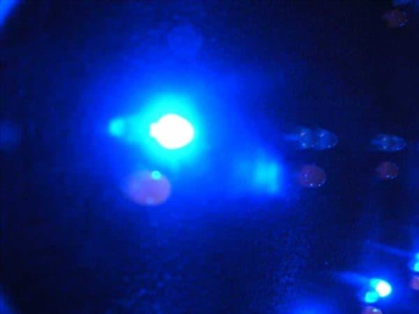 dioda na wielokolorowym wyświetlaczu RGB