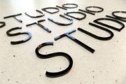 litery przestrzenne 3D pleksi cięte laserowo
