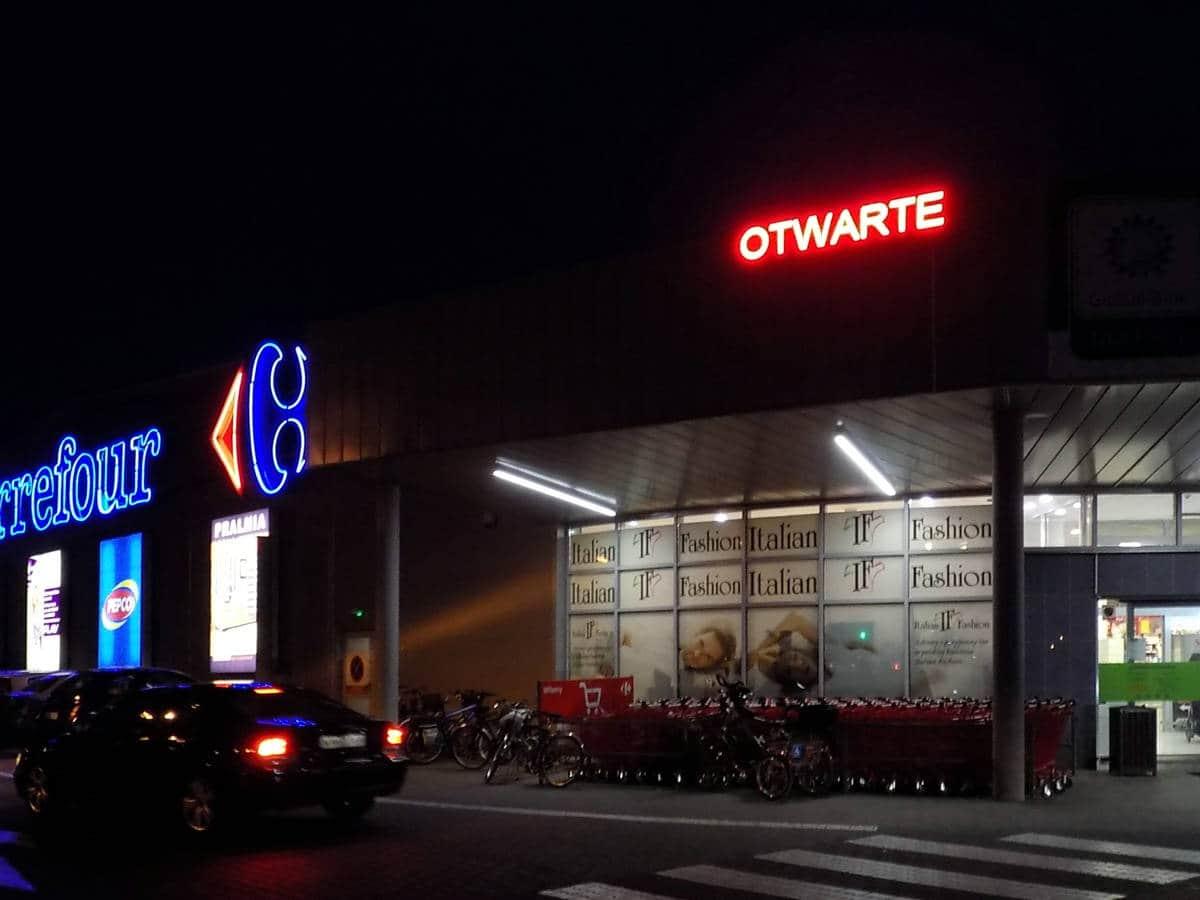 Reklamy dla sklepu Carrefour Mińsk Mazowiecki | Naklejki magnetyczne z grafiką