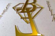 Złote logo - pleksiglas - reklama z plexi na ścianę dekoracja firmy