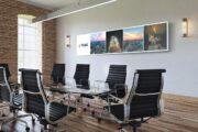 Reprezentacyjny dekor na ścianę grafika dekoracyjna biura | Dekoracja pomieszczenia - reklama w centrali PGNiG